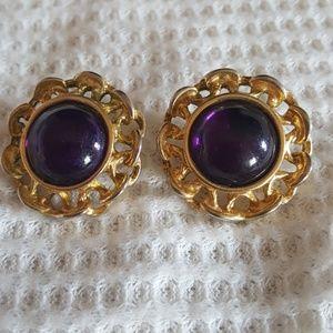 Jewelry - Vintage Earring